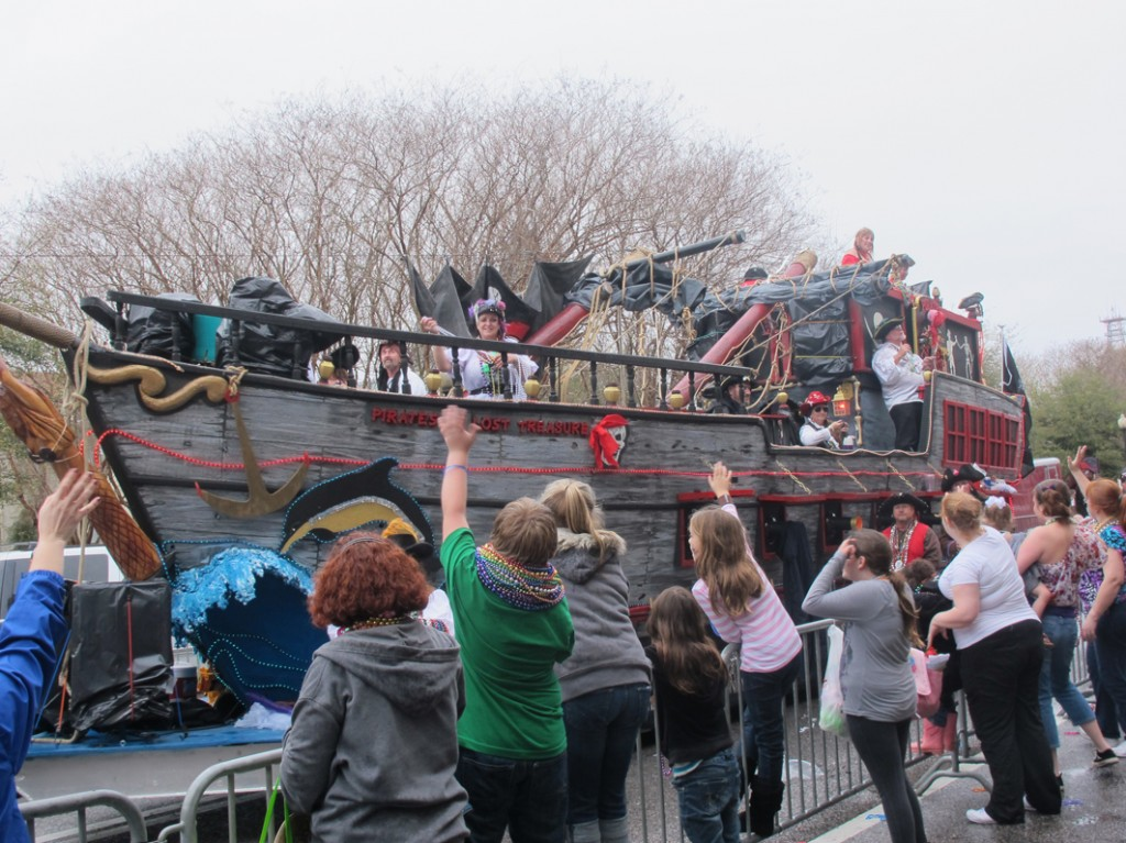 pirates crowd s