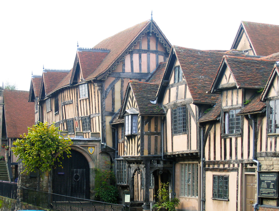 warwick-lord-leycester-outside-s