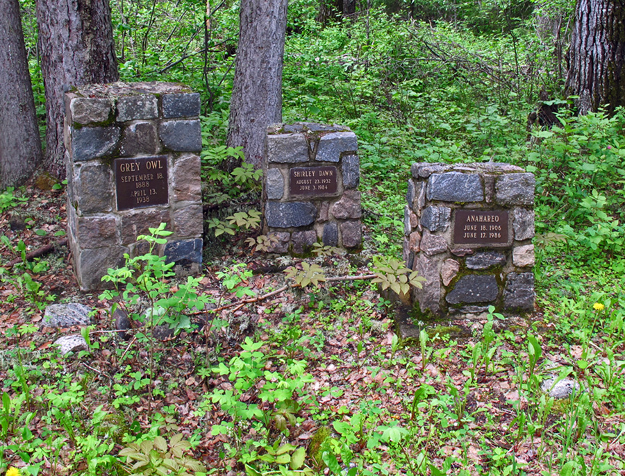 Graves of Grey Owl, Anahareo and daughter In search of a Legend - Grey Owl
